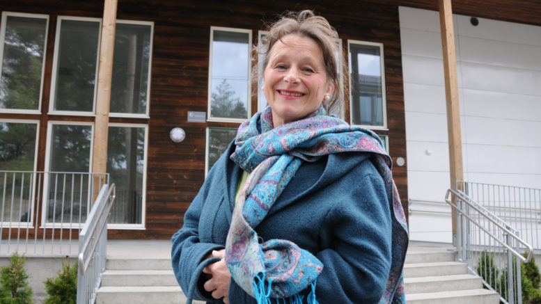 Anne Svendsen foran kulturarenaen