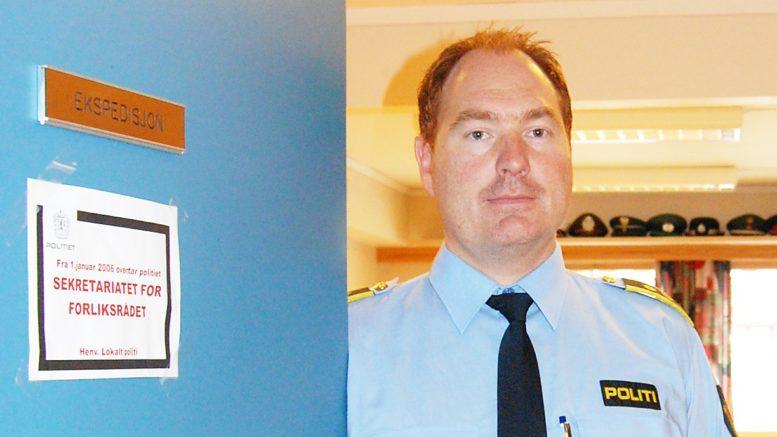 Konstituert lensmann Øivind Lindland ved døra