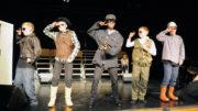 """Flotte, tidsriktige kostymer i """"YMCA"""""""