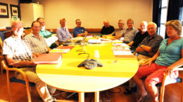 Bygdebokkomitéen rundt bordet