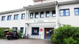 Fasaden til kommunehuset i Birkenes